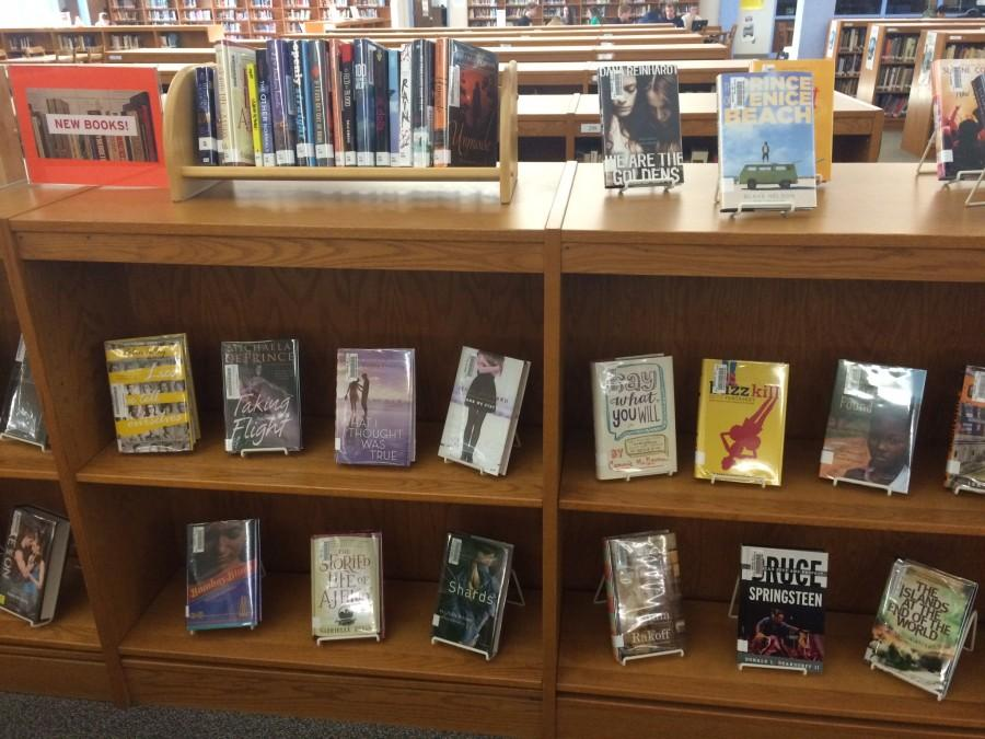 EHS Media Center Participates in 'Banned Book Week'