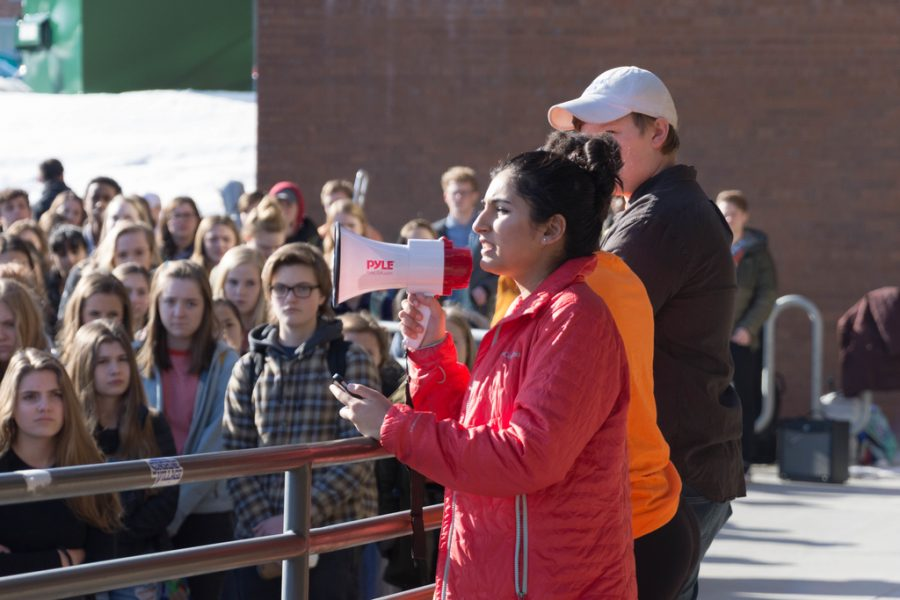 Senior Saumya Mangalick speaks to the March 14th walkout participants.