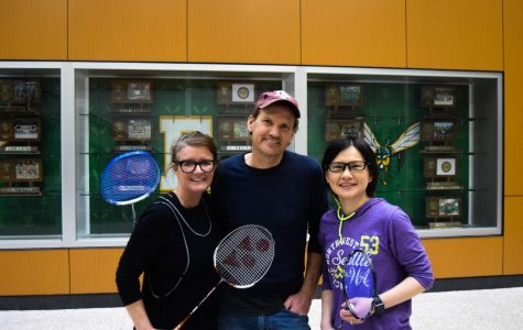 Badminton team hits the courts: senior captains adjust to new coaching changes