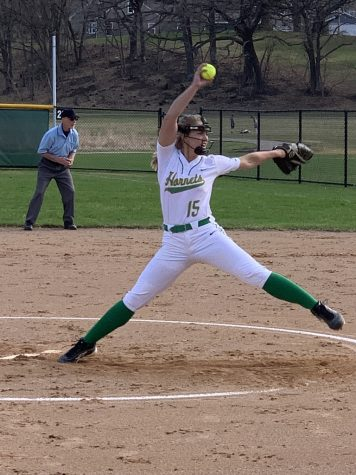 Edina Varsity Softball fosters camaraderie and success